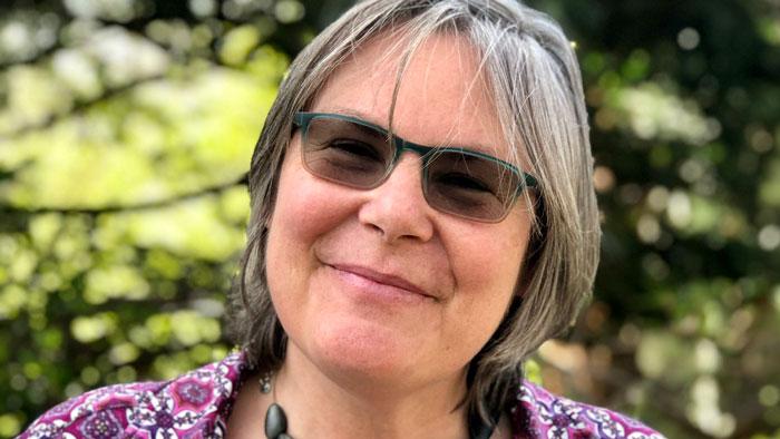 Anne Pfitzer '85: 2020 Joan Shaw Herman Award Recipient Empowers Women